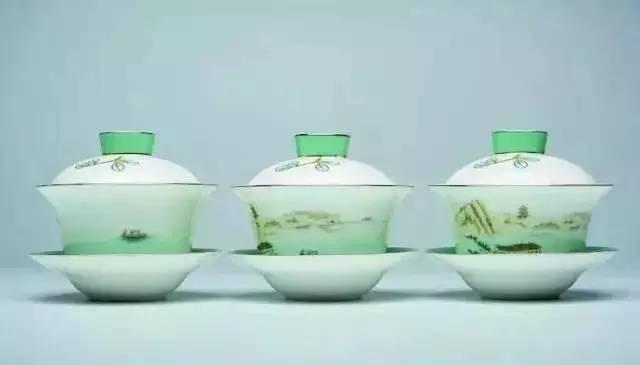 茶具和咖啡用具系列设计灵感来源于荷花、莲蓬造型,另友情提示,据说天猫有售